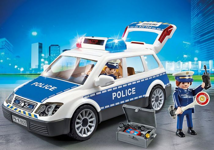 Politiepatrouille-met-licht-en-geluid-6920